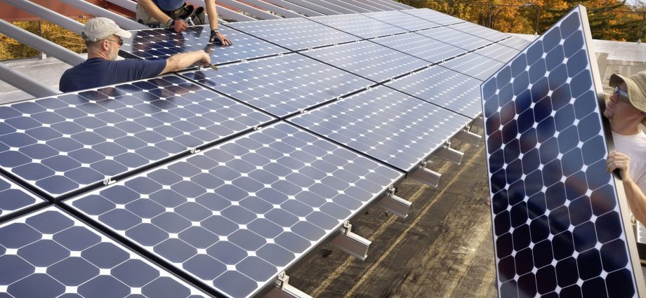 How Solar Power Companies Are Helping the Planet on a Small and Large Scale